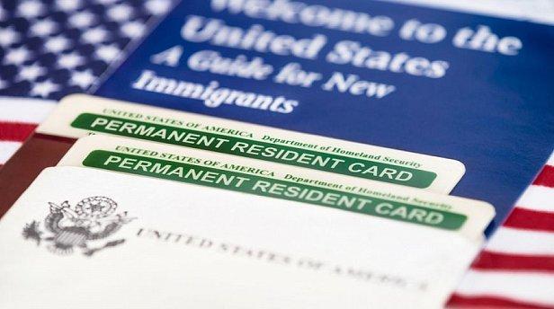 Отмена Green Card: дипломат предупредил украинцев о рисках