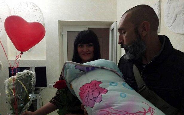 """""""В честь Амины Окуевой"""": в Одессе новорождунние назвали дочь Аминой"""