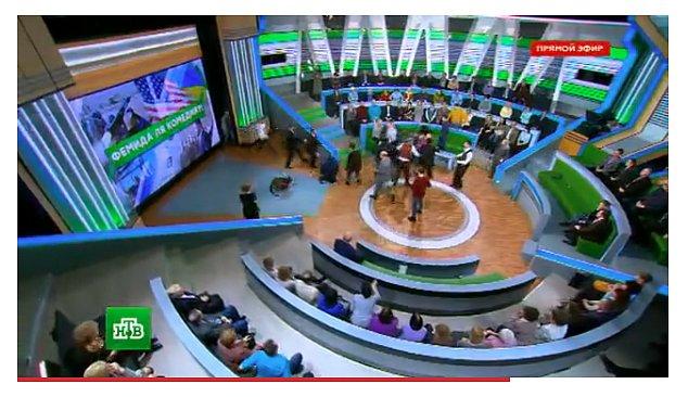 Женщины били ногами украинец рассказал подробности массовой драки на росТВ