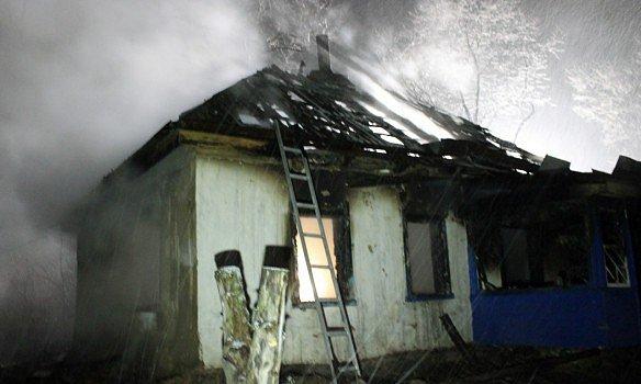 НаЧеркасчине при пожаре погибло четверо детей, запертых вдоме матерью