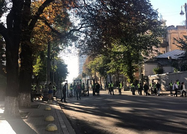 Киев оцепили 2,5 тысячи полицейских: что происходит (фото)