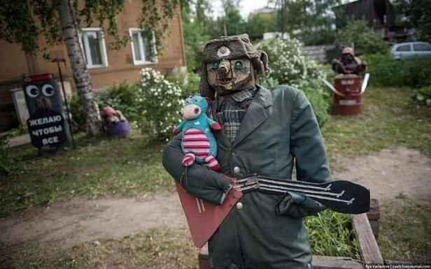 Фоторепортаж: как встречают в России украинских переселенцев