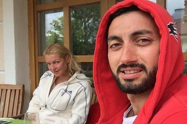Есть еще и видео: скандал со сливом интимных фото Волочковой получил продолжение
