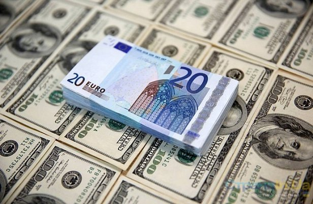 Президент внес в парламент законопроект о валюте