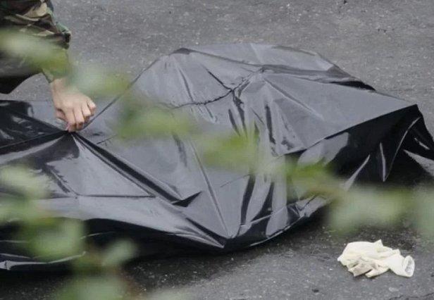 В Киеве посреди улицы нашли труп: первые подробности