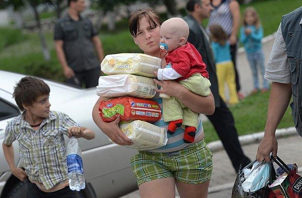 Минсоцполитики: в Украину ввезено 36 тысяч тонн гуманитарной помощи