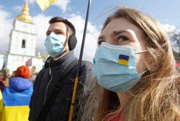 фото - куда звонить и где сделать тест на коронавирус в Украине