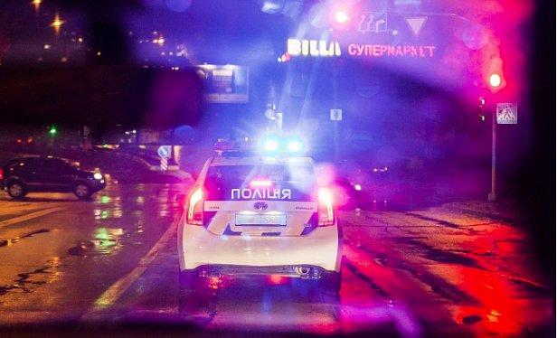 В центре Киева «гонщик» устроил аварию и пытался сбежать в парк