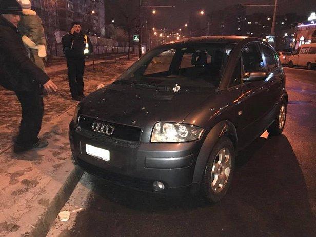 Виновницу отпустили: в Киеве авто сбило женщину с ребенком