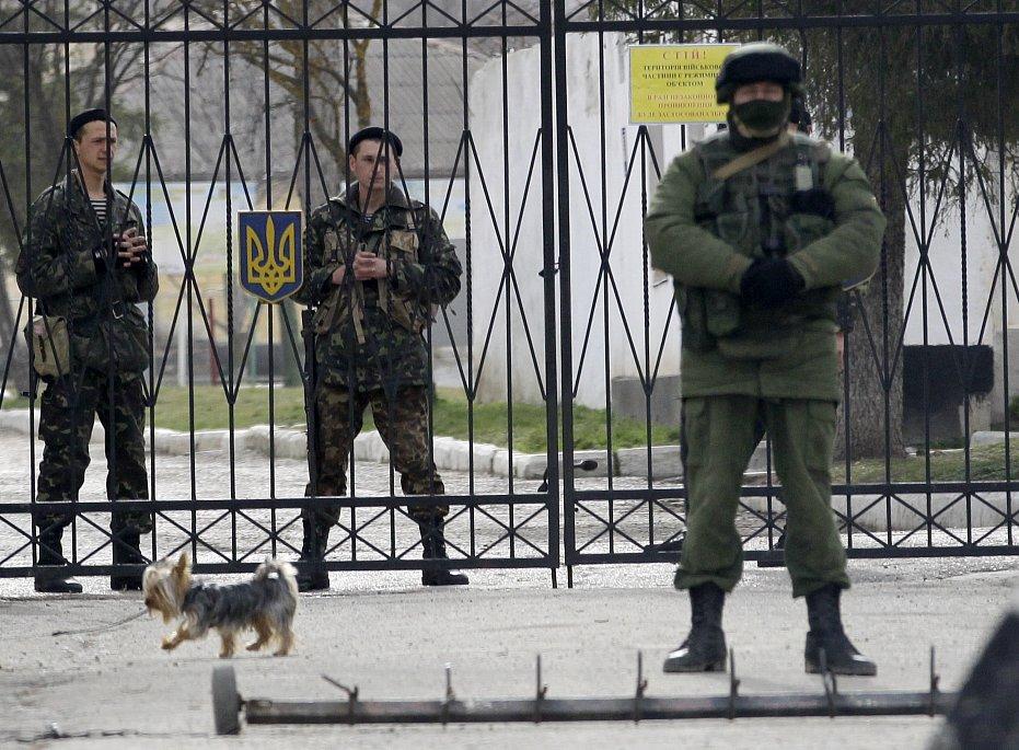 Из Крыма ушли без боя по настоянию Пашинского и Полторака - показания экс-министра обороны