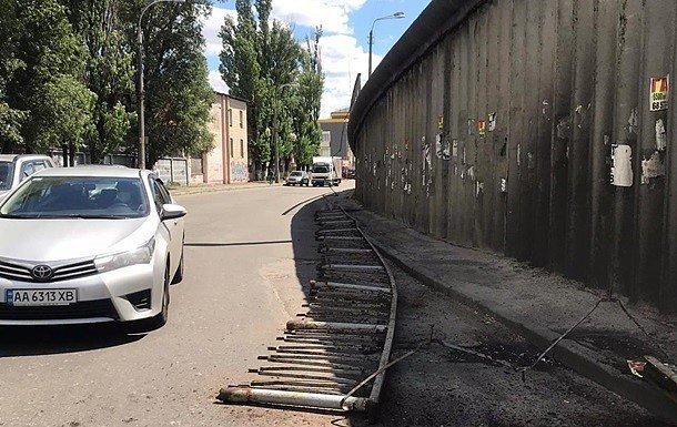 Фото — Обрушение моста в Киеве