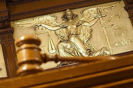 Инвесторы требуют от Украины 170 миллиардов грн в международных судах