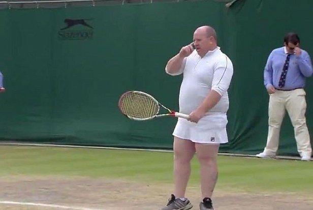 Известная теннисистка заставила выйти на корт болельщика, который много подсказывал