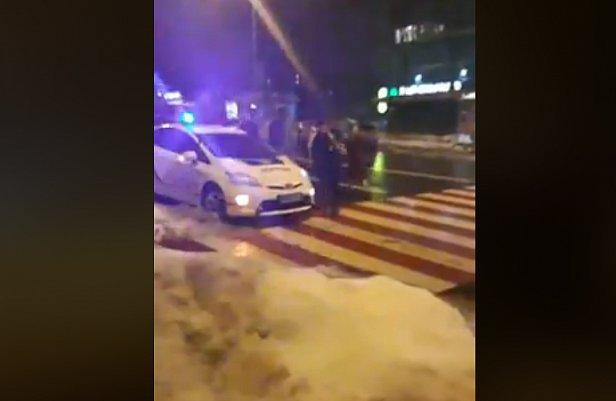 В Киеве произошла массовая драка: Мужчине трубой пробили голову