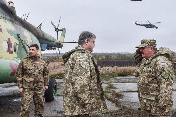 """Кабмин предложил заменить военное приветствие """"Бажаю здоров'я"""" на """"Слава Україне"""""""