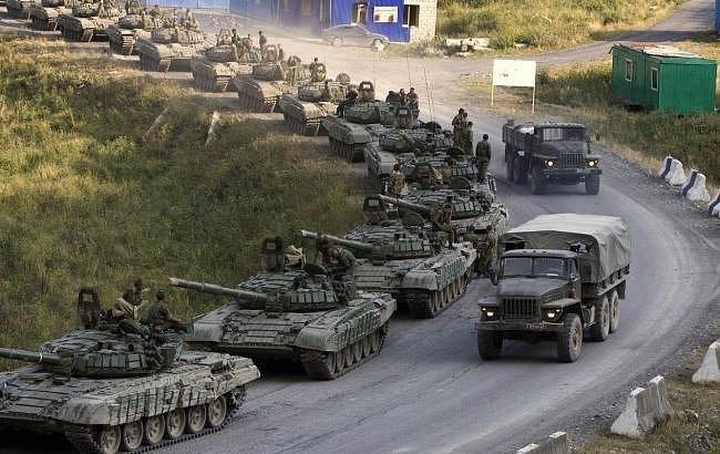 СРОЧНО: Россия под прикрытием учений перебрасывает на Донбасс тяжелое вооружение