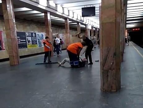 Полицейскому, избившему пассажира в киевском метро, «светит» от 3 до 8 лет тюрьмы