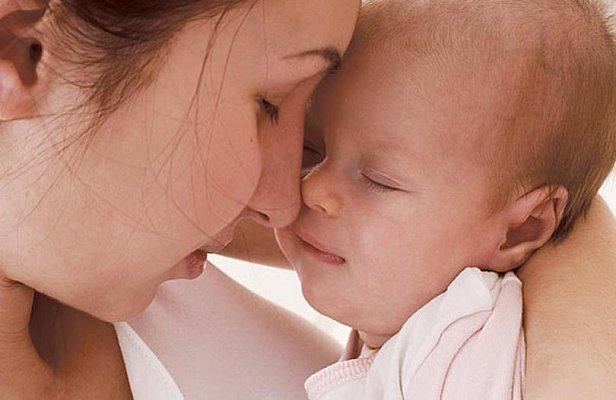 Кабмин усложнил жизнь матерям-одиночкам: денег будет меньше