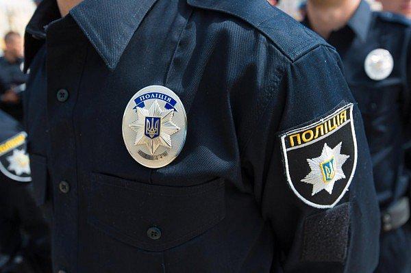 В центре Киева посреди улицы упал и умер мужчина (фото)
