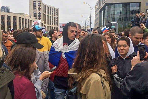 Фото - Дудь становится лидером протестов