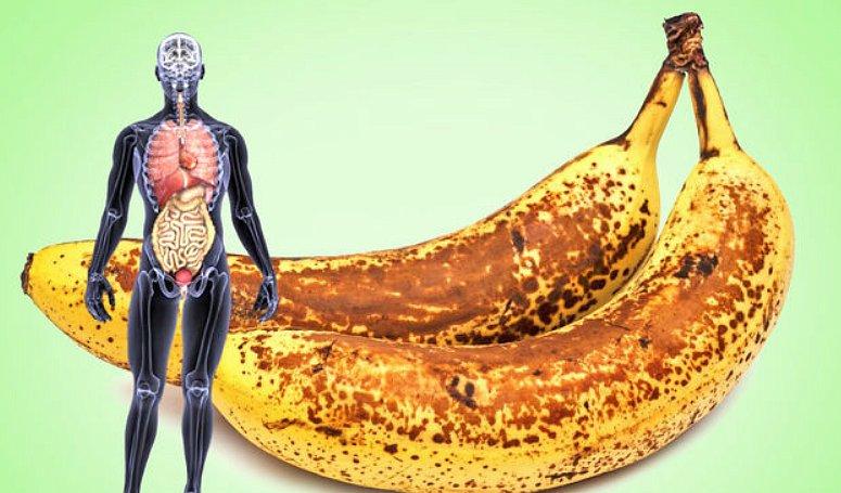 Опасно для жизни: кому вредно есть бананы