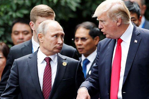 """""""Выйдете из Украины?"""" Трамп неформально обратился к Путину"""