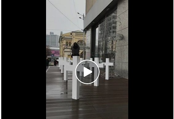 Война? Не слышали: в Киеве возник громкий скандал из-за ресторана с крестами (фото, видео)