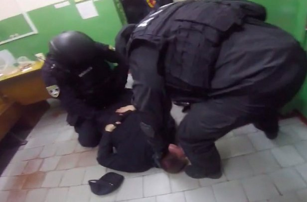Полицейские избили женщин в киевском метро