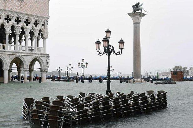 Венеция ушла под воду (фото и видео)