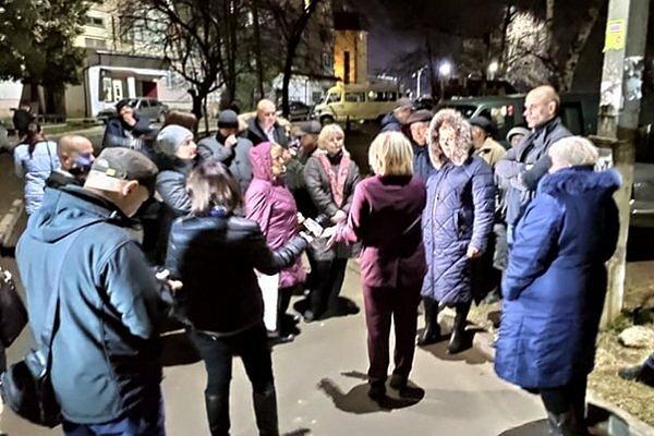 Фото — Протестующие в Черновцах