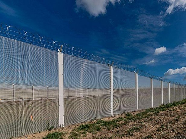 Литва начала строительство ограждения на границе с Россией