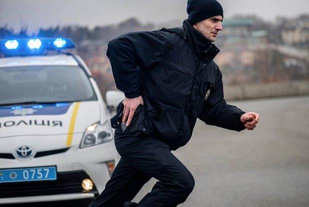 СРОЧНО: На Донбассе полицейский застрелил гражданского
