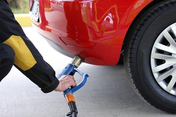 Автогаз начал дешеветь благодаря укреплению гривни