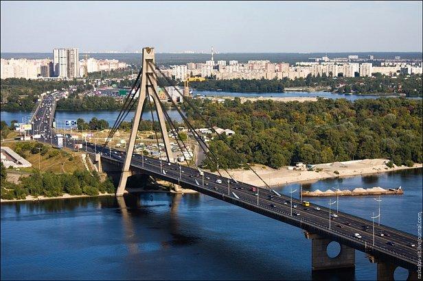 На фото  - Московский мост