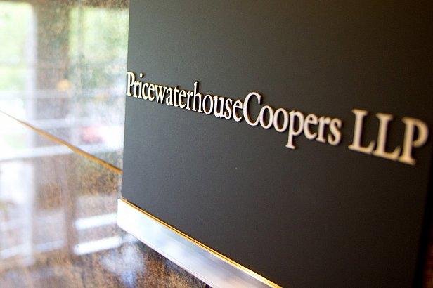 На фото PricewaterhouseCoopers LLC
