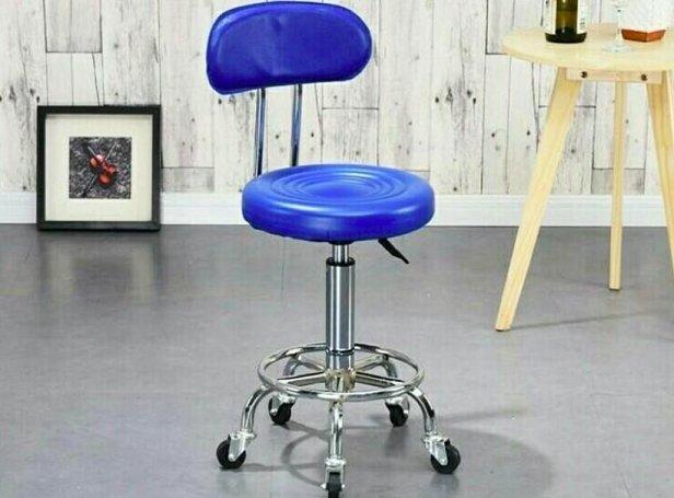 Нужен ли стульчик для мастера?