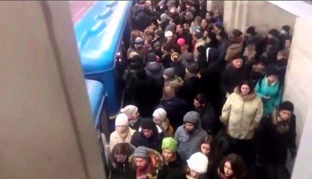 фото - чп в метро