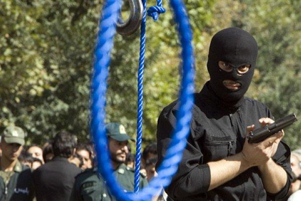 Фото - в Иране казнили гея