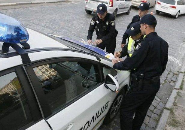 Двойное ДТП в Киеве: драйвер службы Uklon разбил новое авто клиента