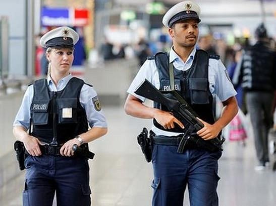 Полиция Германии задержала мигранта из Алжира, причастного к терактам в Париже