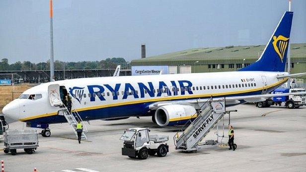 Фото — Самолёт Ryanair