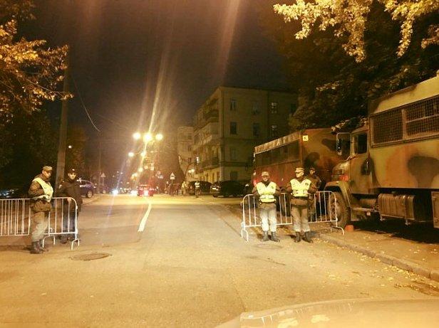 Центр Киева перекрыли, стягивают Нацгврадию. Въезд в столицу блокируют