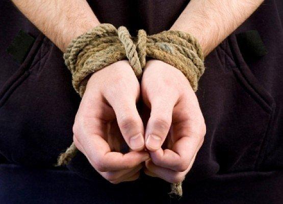 Распятие на кресте и кастрирование: Луценко рассказал о пытках в Донбассе