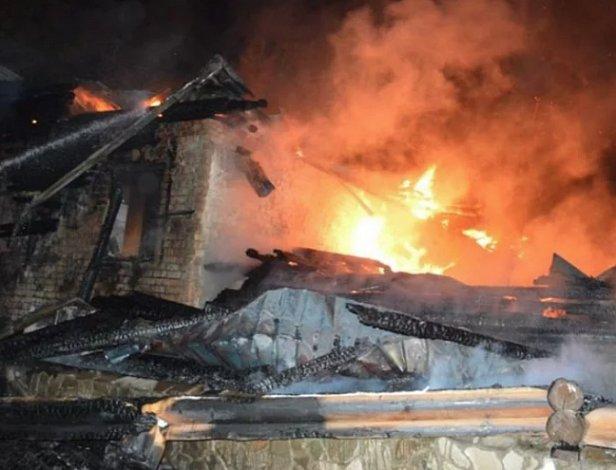 Страшный пожар на фабрике Тернопольщины: тысячи жертв (фото)