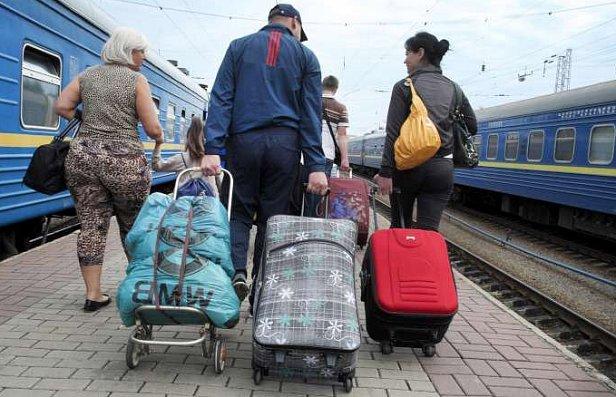 Украина потратила на переселенцев кучу денег, названа цифра