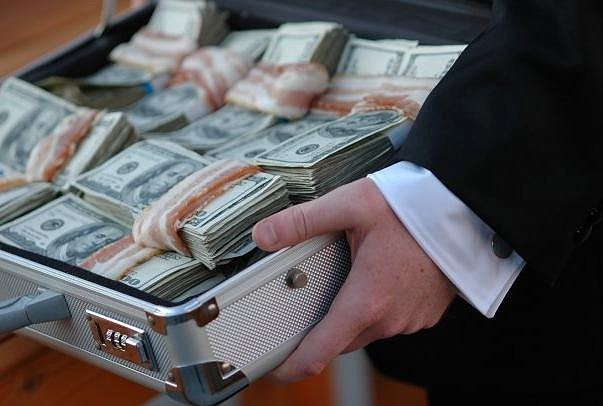 взятка в долларах