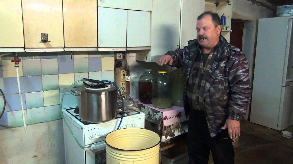 Срочно: украинцам запретили варить советский самогон