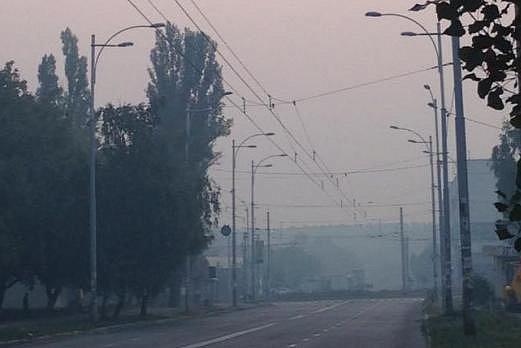 В ГосЧС уверяют, что потушат пожар под Киевом до конца дня