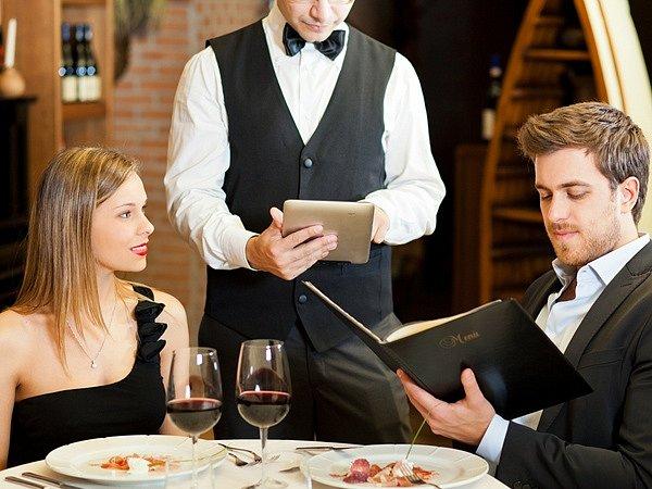 Украинцев массово обманывают в ресторанах и кафе: раскрыты популярные схемы