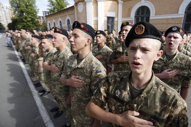 Фото - в военном лицее Киева пропал курсант